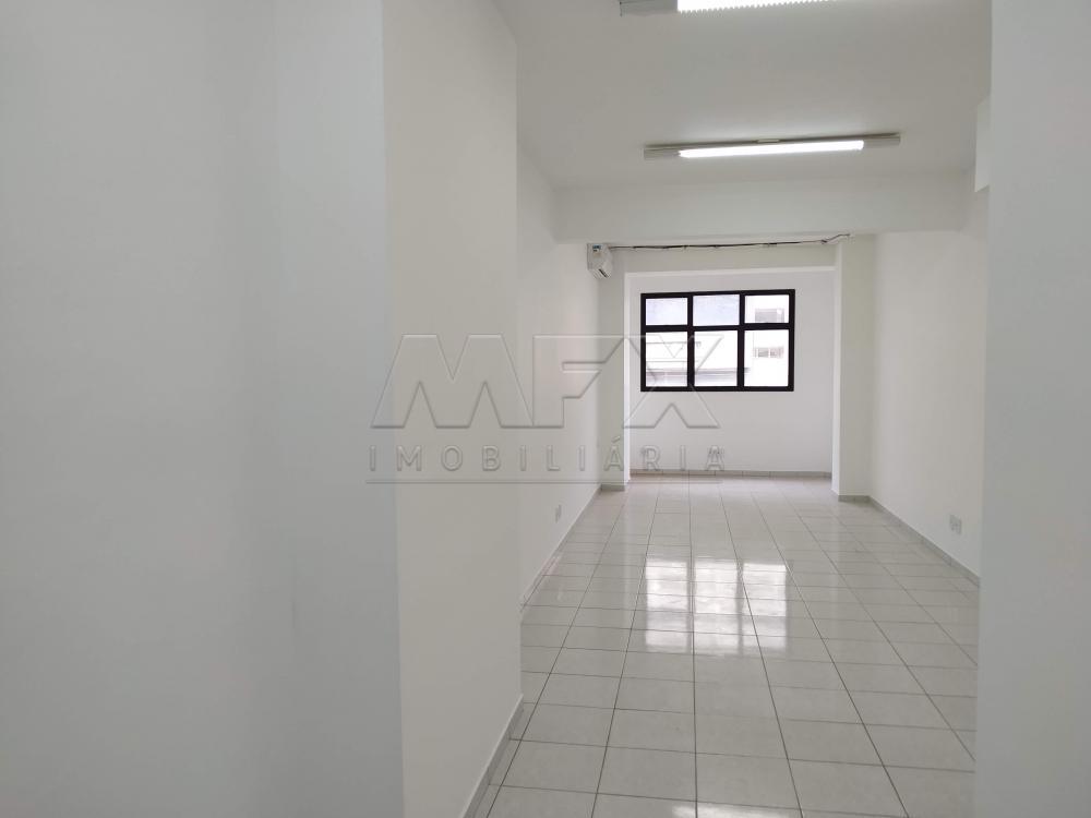 Alugar Comercial / Sala em Bauru R$ 1.050,00 - Foto 1