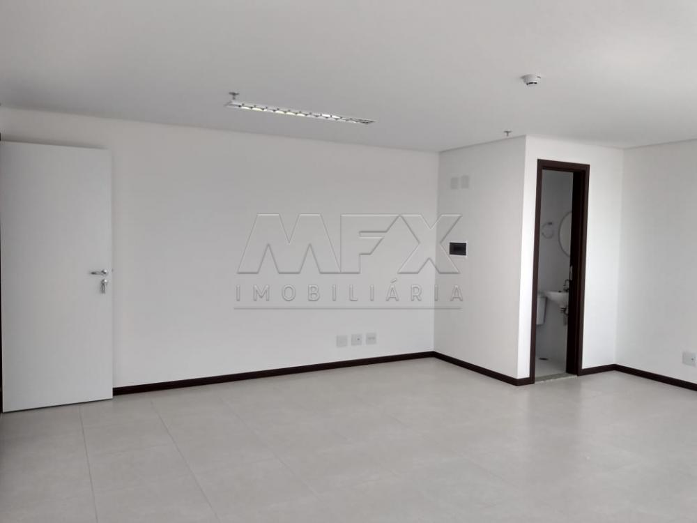 Alugar Comercial / Sala em Bauru R$ 1.500,00 - Foto 3