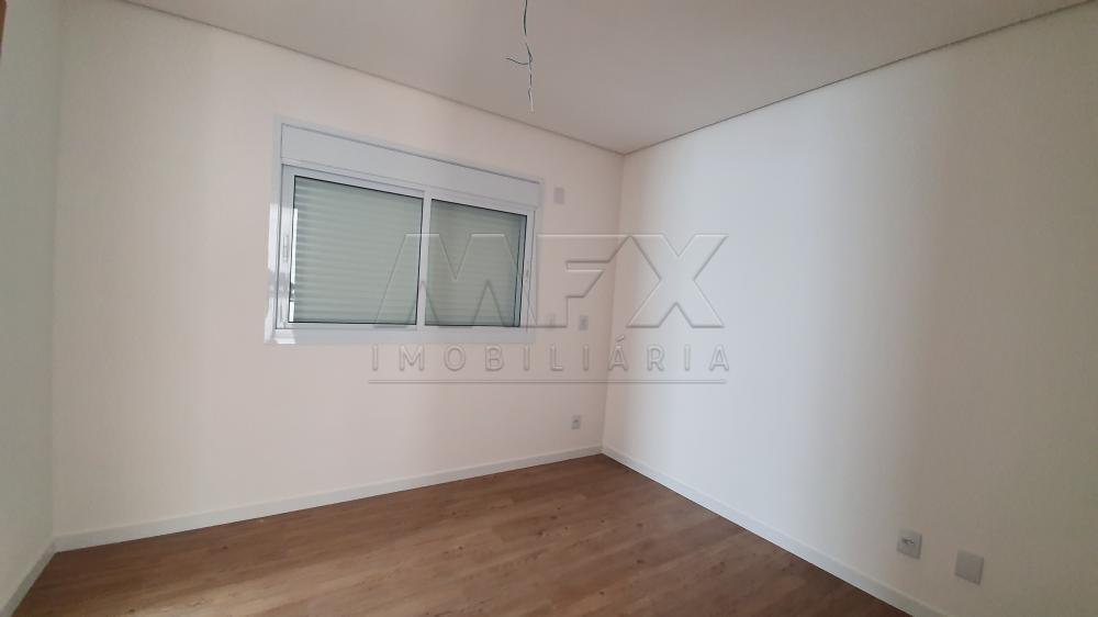 Comprar Apartamento / Padrão em Bauru R$ 460.000,00 - Foto 4