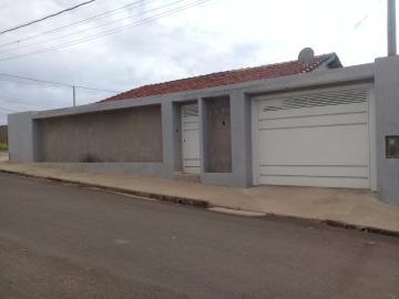 Alugar Casa / Padrão em Arealva. apenas R$ 140.000,00