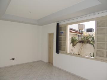Casa / Padrão em Bauru Alugar por R$1.500,00
