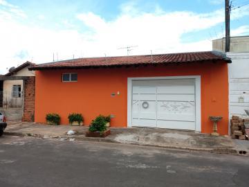 Alugar Casa / Padrão em Bauru. apenas R$ 1.200,00