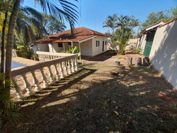 Alugar Casa / Padrão em Arealva. apenas R$ 350.000,00
