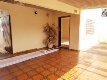 Alugar Casa / Padrão em Bauru R$ 1.390,00 - Foto 1
