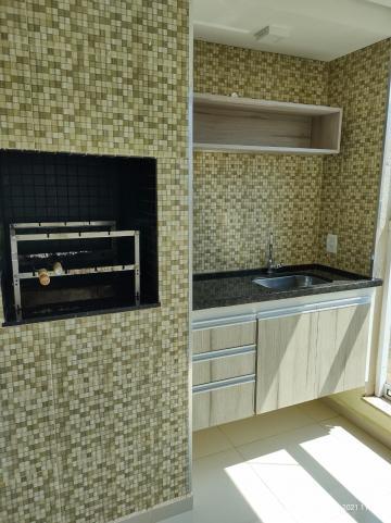 Alugar Apartamento / Padrão em Bauru R$ 1.300,00 - Foto 8