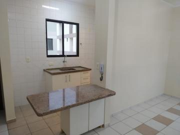 Alugar Apartamento / Padrão em Bauru. apenas R$ 730,00